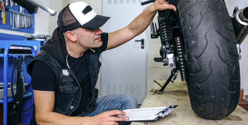 ¿Cómo elegir los neumáticos adecuados para tu moto?