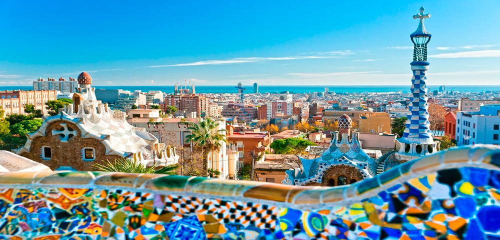 Ciudad de Barcelona vista desde el Parc Güell